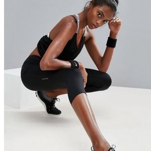Nike Run Fast Crop Leggings Dri-Fit Size M Black